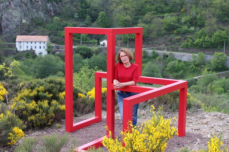 Bogumila Strojna - Sculpture 8 cubes - Sentier de Sculptures d'Altier